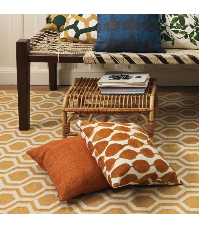Large scale statement floor rug yellow pattern