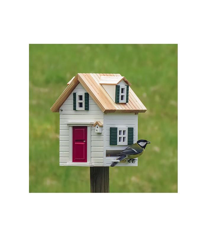 New england style bird house and nesting box
