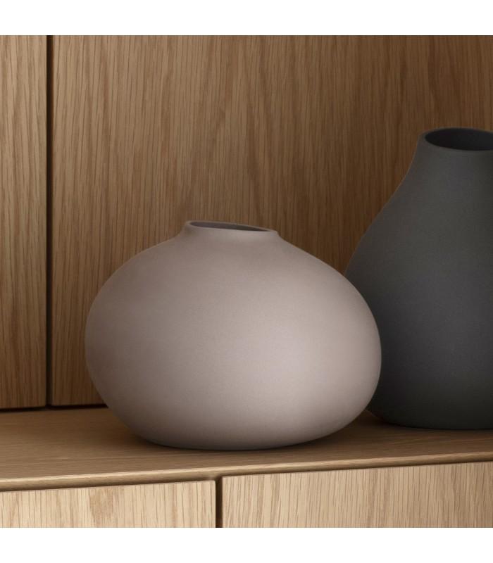 bark porcelain vase in dark dusky pink