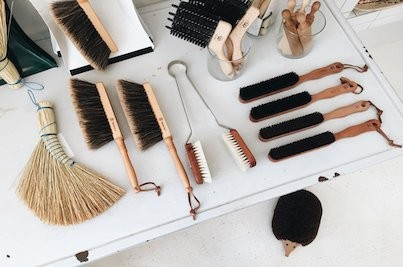 HANDMADE BRUSHES